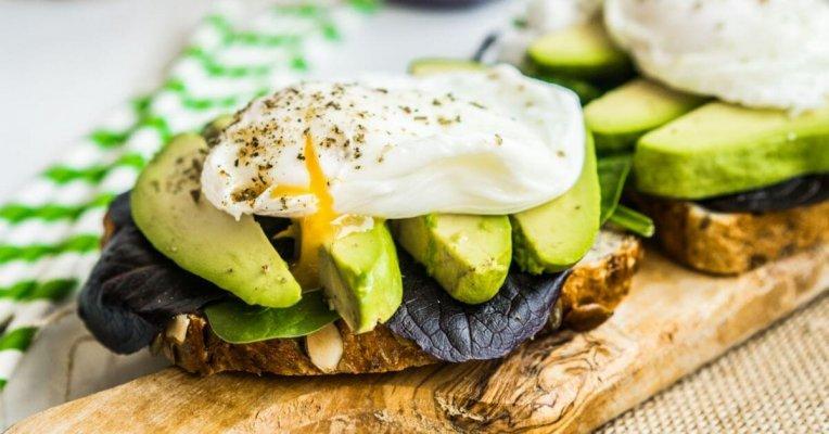 Hãy để ý chế độ ăn uống để có khuôn mặt đẹp hơn