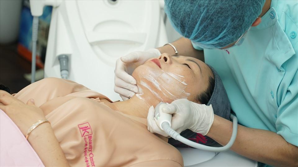 Điều trị sẹo lõm tại JK Việt Nam - níu giữ thanh xuân