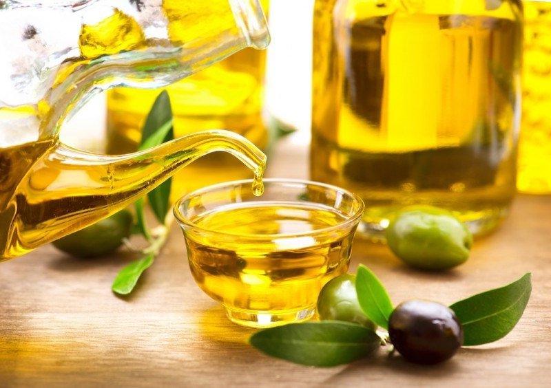 Dùng dầu oliu để trẻ hóa làn da