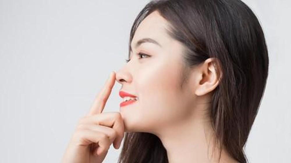 Massage đúng cách giúp mũi cao hơn