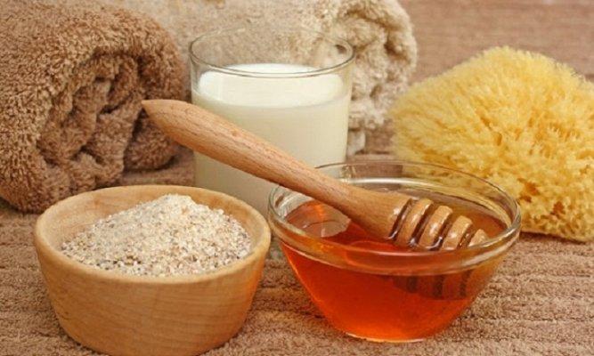 Dùng bột cám gạo để làm mặt nạ trị mụn tại nhà
