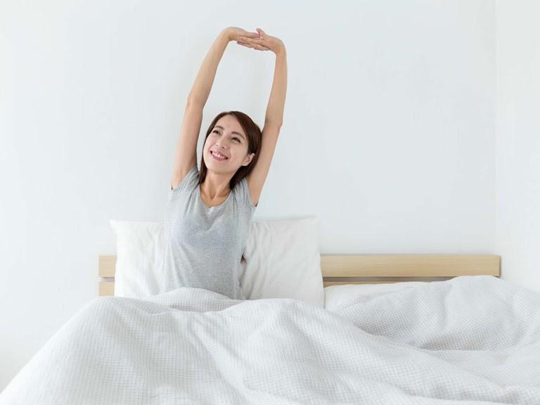 Ngủ sớm, ngủ đủ giấc giúp làn da khỏe mạnh hơn