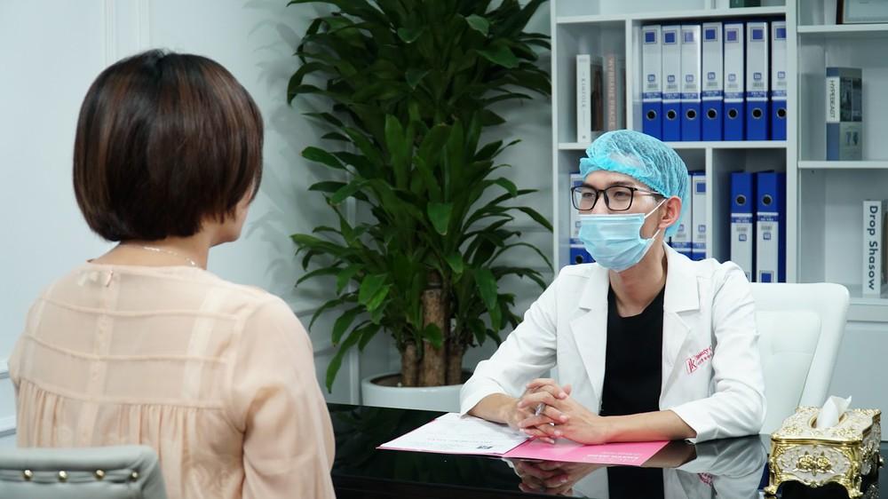 Đội ngũ chuyên gia hàng đầu sẽ tư vấn và có liệu trình điều trị phù hợp với tình trạng của các khách hàng