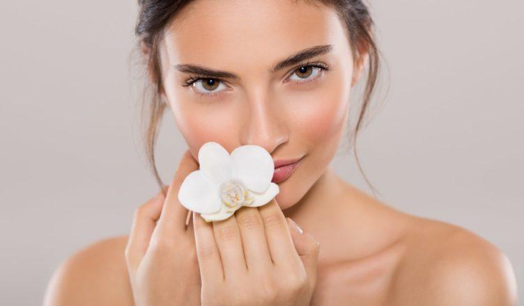 Da mặt cần được thải độc thường xuyên để loại bỏ độc tố và ngăn ngừa lão hóa