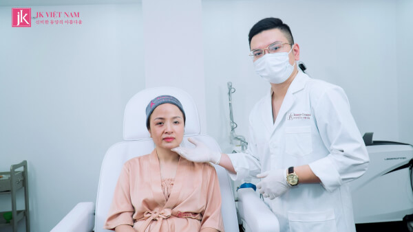 Hình ảnh khách hàng đã thực hiện liệu trình trị nám tại Phòng khám JK Việt Nam
