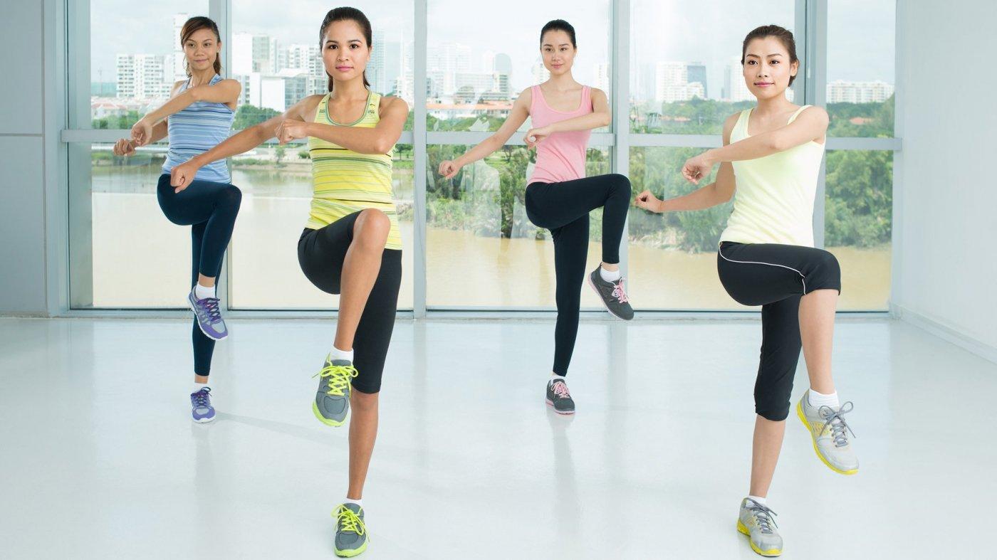 Vận động nhiều lần cả tay, chân, lưng, hông… giúp cơ thể săn chắc và giảm được mỡ thừa